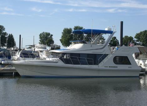 Bluewater 43 Coastal Cockpit Cruiser - main image