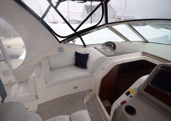 Cruisers Yachts 405 Express Motoryacht image