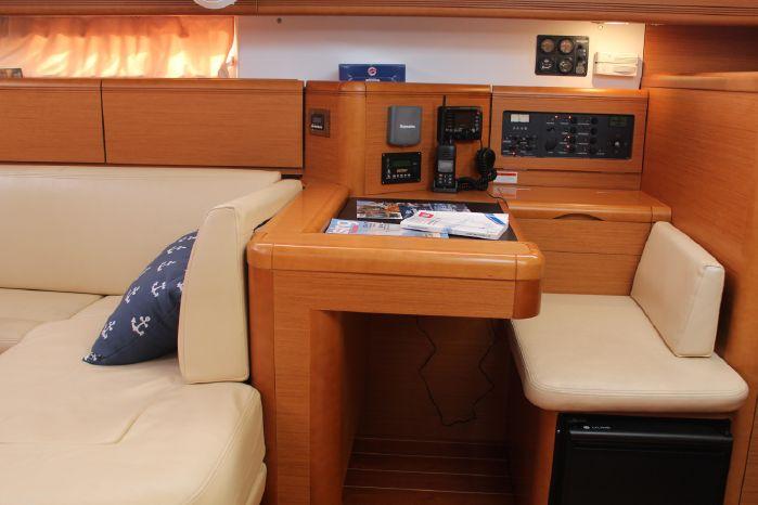 2012 Jeanneau 53 Broker New England