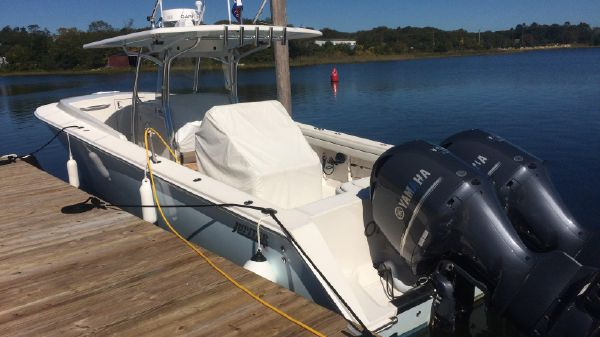 Jupiter 38 Center Console Cuddy
