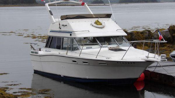 Bayliner Contessa 2850 Command Bridge