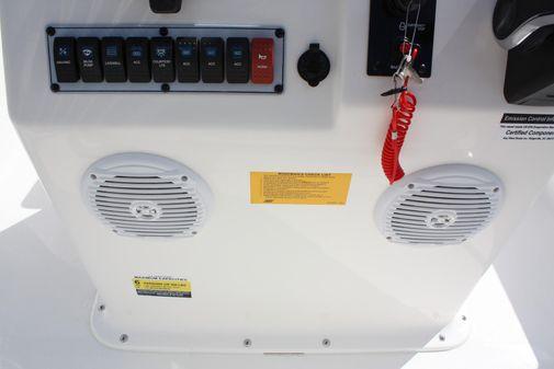 Key West 1720 Center Console image