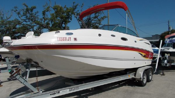Chaparral 223 Deck Boat
