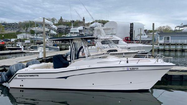Grady-White 26 Catamaran