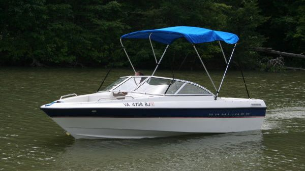 Bayliner 195 Classic Bowrider w/Trailer Photo 1