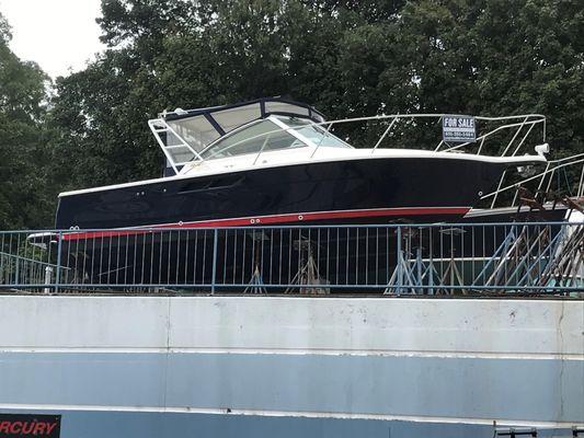 Tiara Yachts Coronet - main image