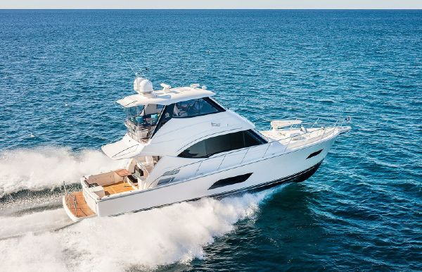 2018 Riviera 52 Enclosed Flybridge