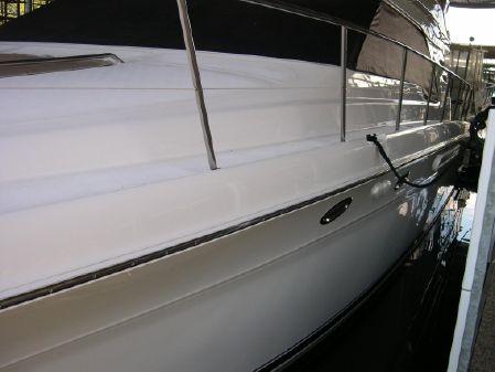 Sea Ray 560 Sedan Bridge image
