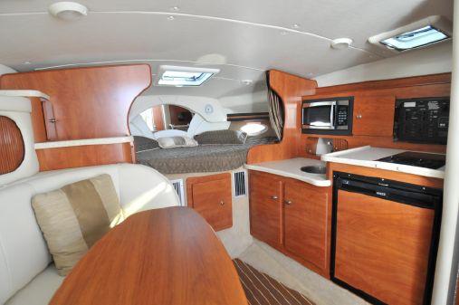 Rinker 320 Express Cruiser (35 feet) image