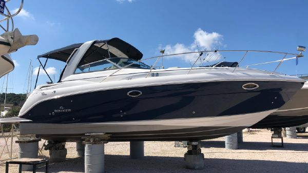 Rinker 320 Express Cruiser (35 feet)