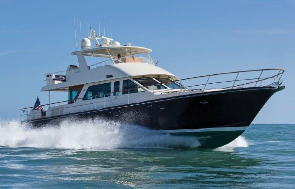 2019 Hunt Yachts 76 Flybridge