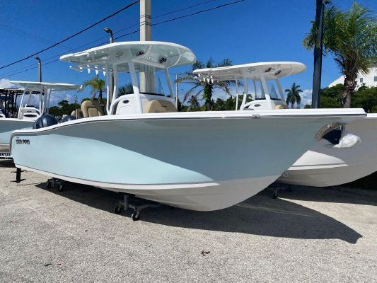 Sea Pro 259 Center Console - main image