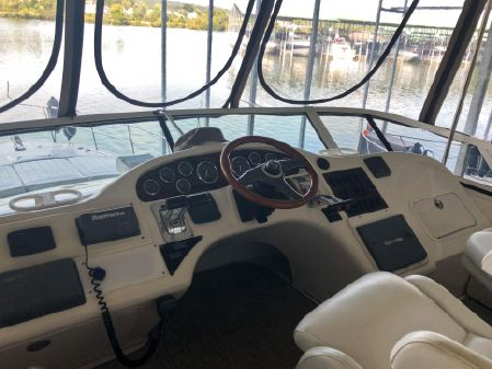 Sea Ray 400 Sedan Bridge image