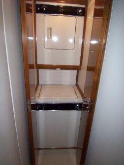 Viking Enclosed Flybridge image