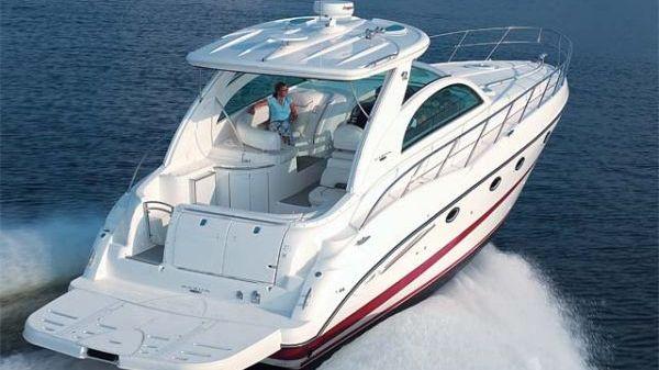 Maxum 4200 Sport Yacht Photo 1