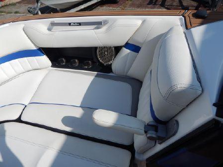 Malibu 24 MXZ image