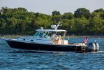 Hunt Yachts Surfhunter 32image