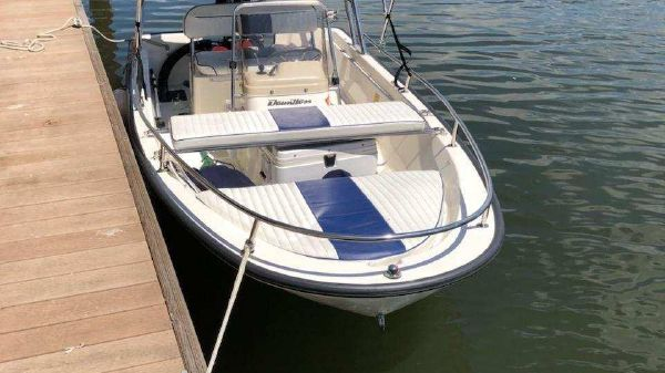 Boston Whaler Dauntless 13