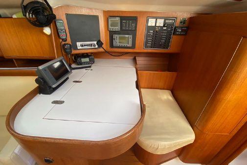 X-Yachts 382 image
