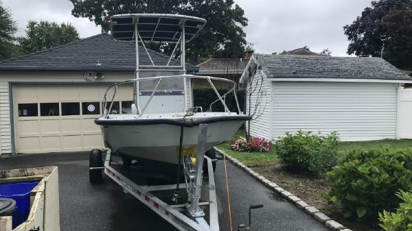 Boston Whaler 18 Outrage Guardian