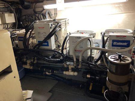 Hatteras 63 Cockpit Motor Yacht image