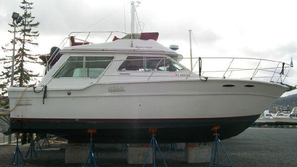 Sea Ray 355T Sedan