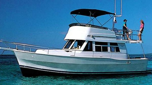 Mainship 390 Trawler Manufacturer Provided Image