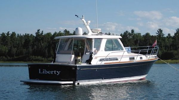 Sabre 34' Express LIBERTY @ anchor