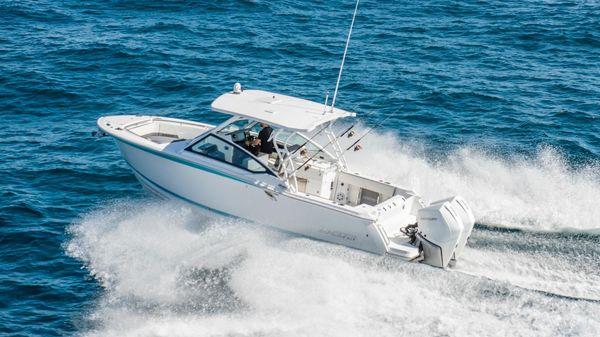 Blackfin 272DC