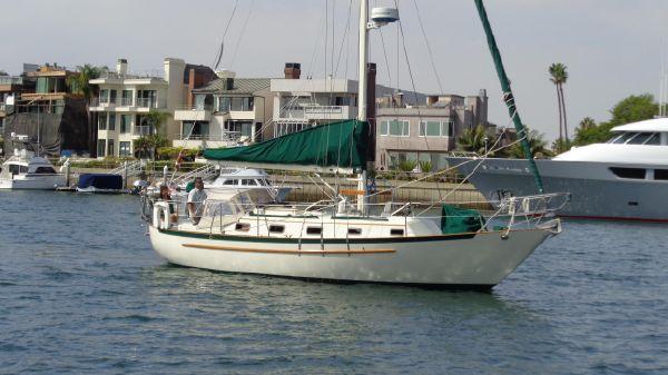 Pacific Seacraft Cutter