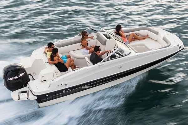 Bayliner 190 Deck Boat - main image