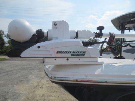 Robalo 246 Cayman image