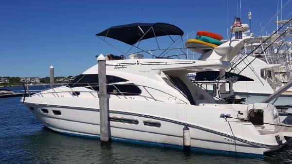 Sealine 42 Fly Port Side