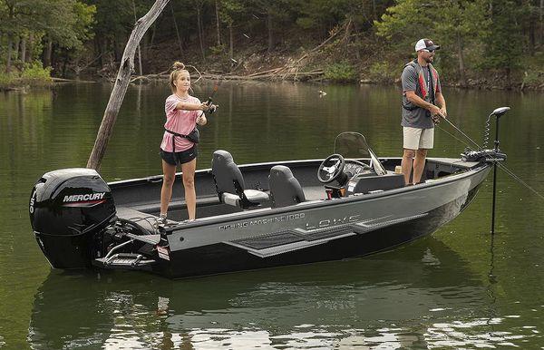 2022 Lowe Fishing Machine 1775 SC