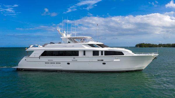 Hatteras 92 Motor Yacht