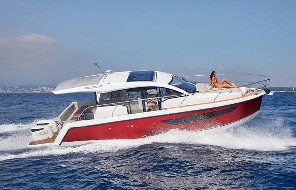 2021 Sealine S330V
