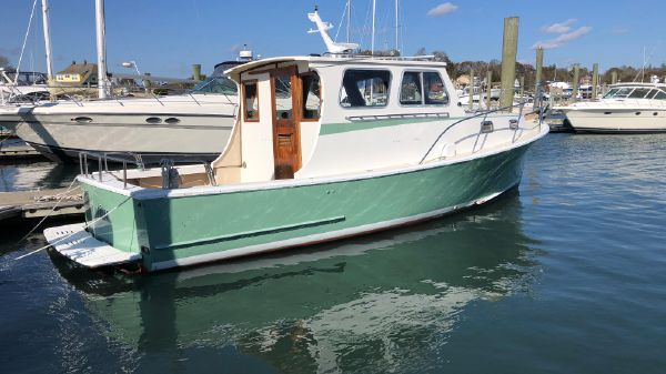 Portsmouth 30' Hardtop Cruiser