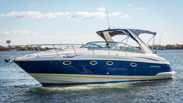 Monterey 350 Sport Yacht Port Side