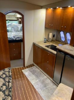 Cruisers Yachts 420 Sports Coupe image