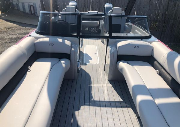 Avalon LTD EXCALIBUR 27' EWS - TWIN image