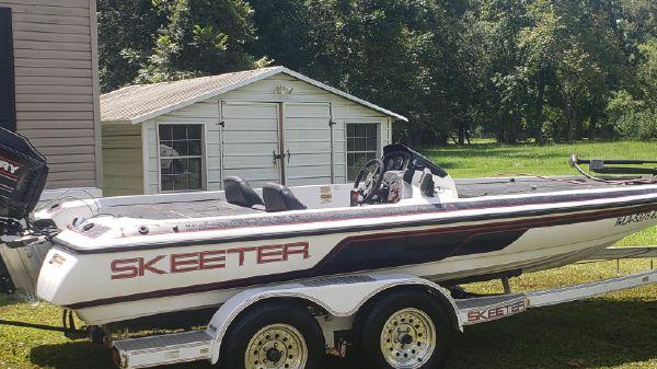 Skeeter SX 200