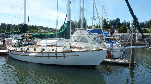 Bluewater Ingrid 38
