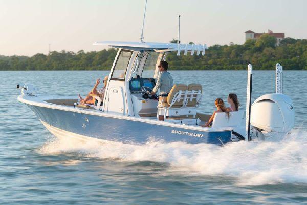 Sportsman Masters 247OE Bay Boat - main image