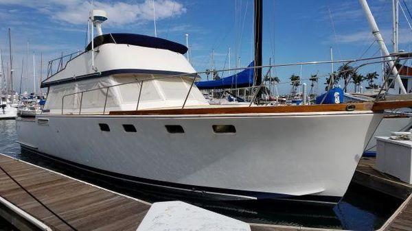 Santa Barbara Sedan Sportfish 43