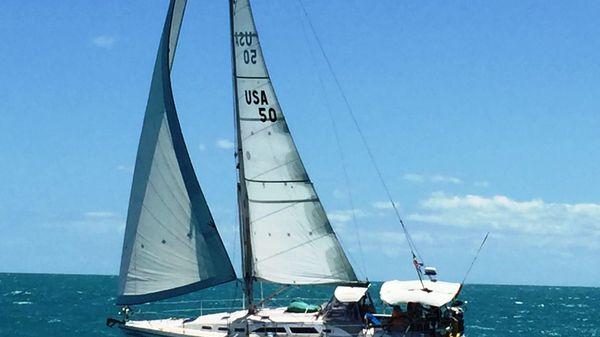 Catalina 380 Under Sail