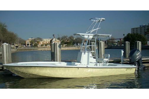 Yellowfin 24 Bay image