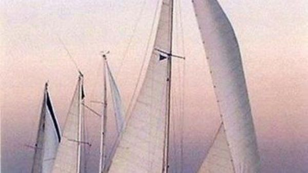 Morgan Yachts 41 Custom CB Yawl Profile_Under Sail_Stbd