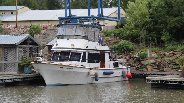 United Ocean 38 Double Cabin Trawler
