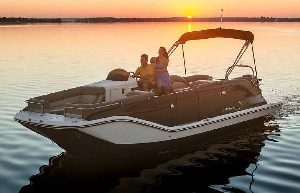 2019 Bayliner Element XR7