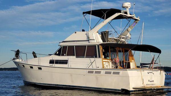 Bayliner 3870 Cockpit Motor Yacht